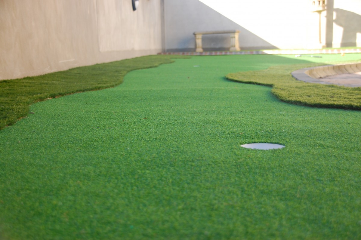 how to put down artificial grass
