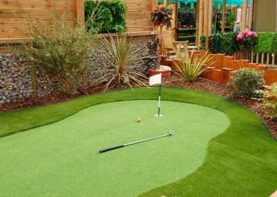 Putting Green - Showroom
