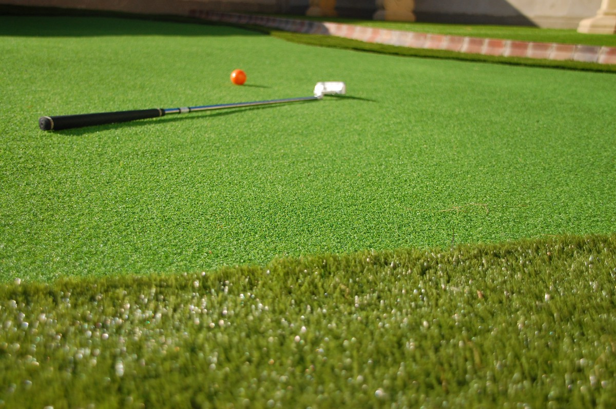 Artificial Grass Putting Green Uses Application